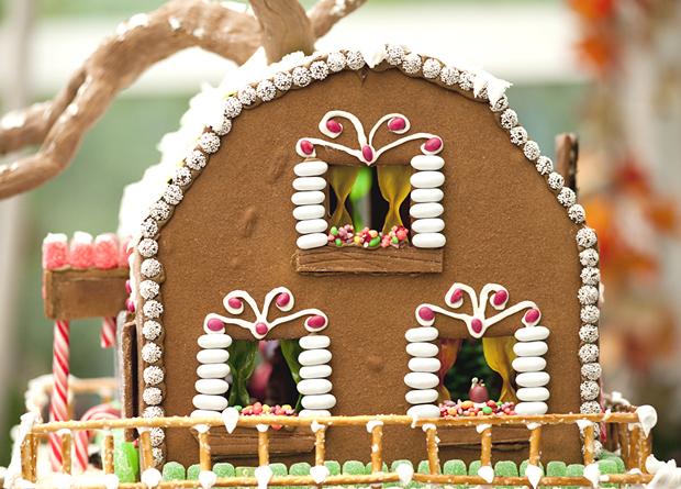 Simple-Inspiring  Gingerbread House Ideas-36