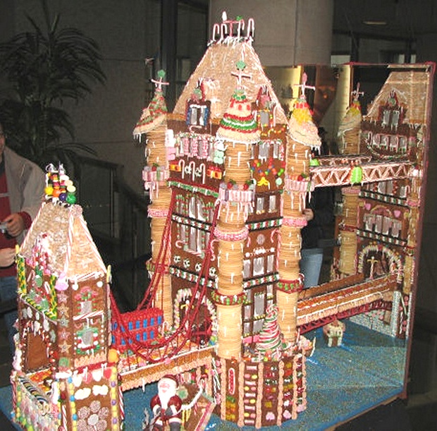Simple-Inspiring  Gingerbread House Ideas-9