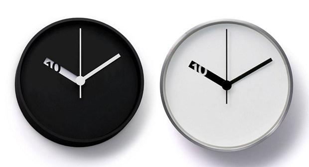 Extra-Normal-Wall-Clocks-futuristic