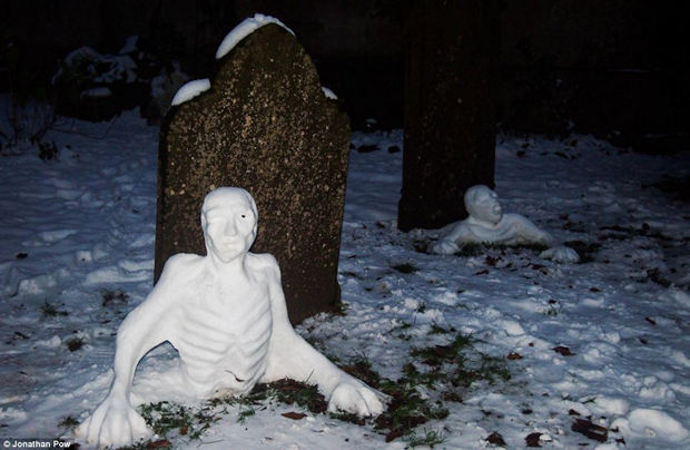 creative-funny-snowman-pictures-6