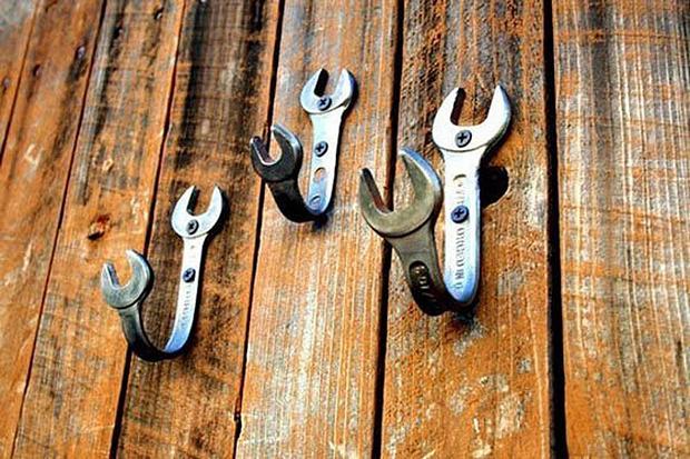 Creative-DIY-Wall-Hook-Ideas-8