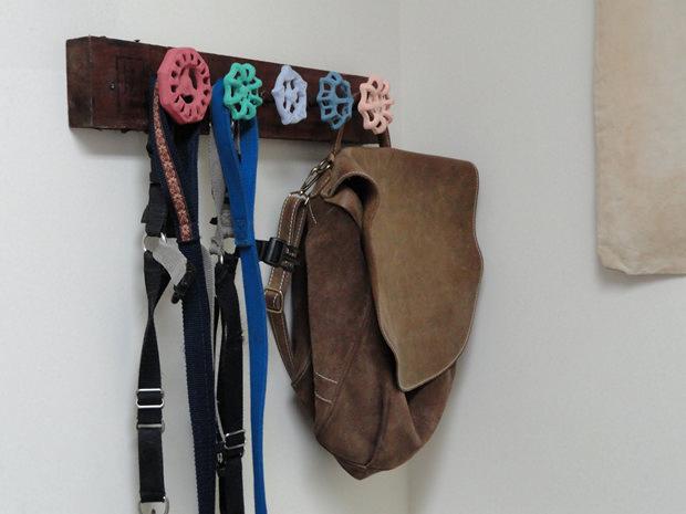 Creative-DIY-Wall-Hook-Ideas-9