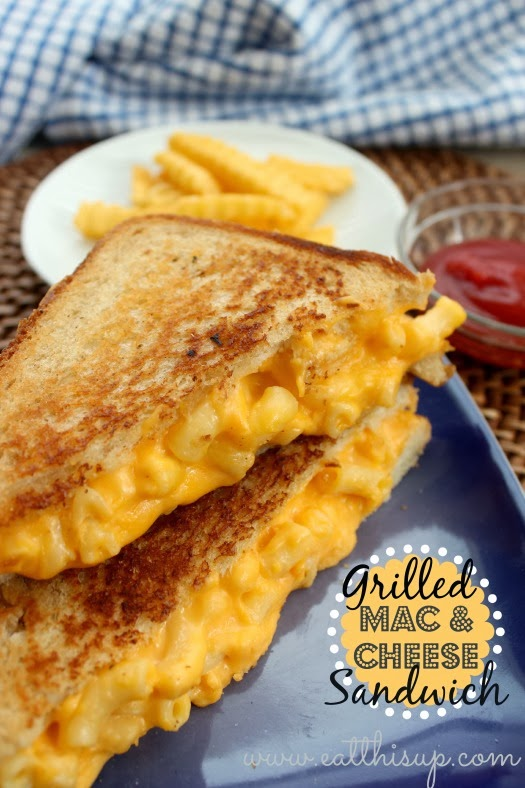 Grilled Mac and Cheese Sandwich