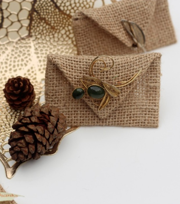 burlap-envelope-no-sew-project-thankful