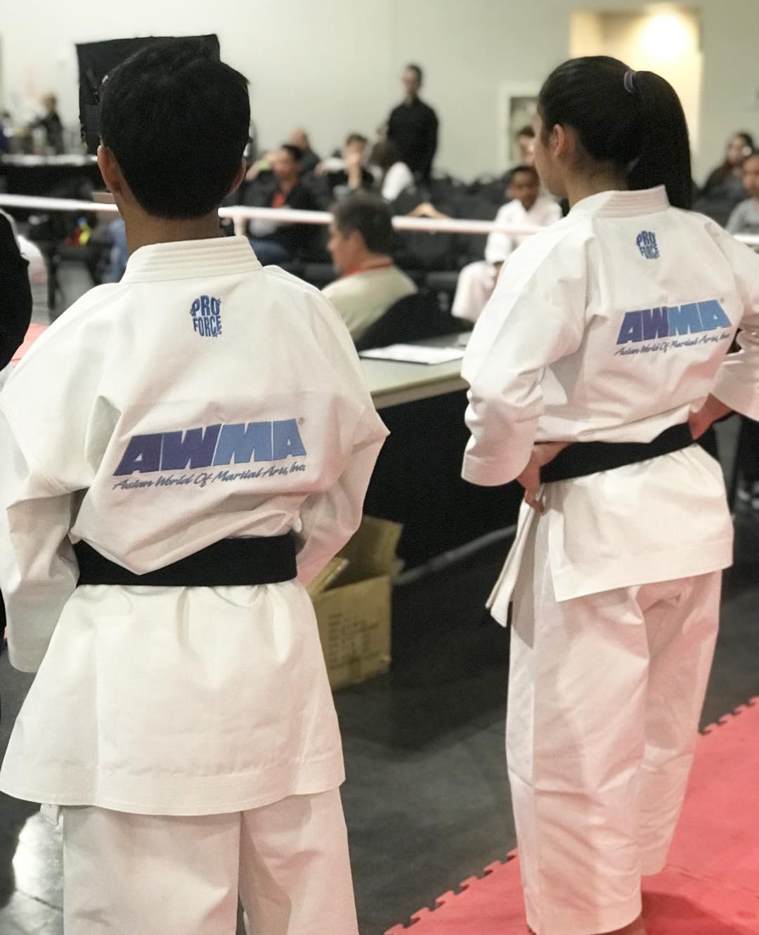martial arts uniforms wholesale