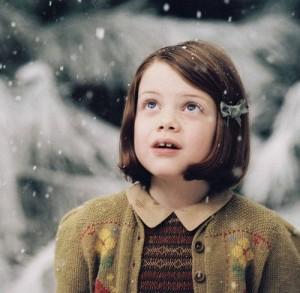 georgie-henley-lucy-magic-narnia-pevensie-snow-Favim_com-102249