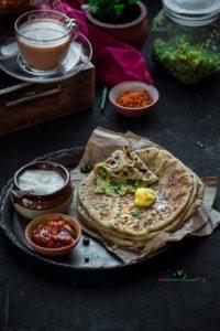 Aloo Paratha Recipe (Punjabi Aloo Paratha)