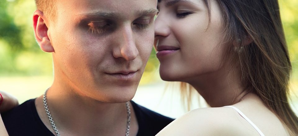 ¿ Quién debe dar el primer paso a la hora de formalizar una relación ? - sexologos online