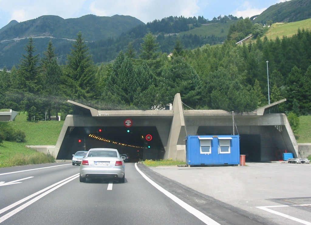 Gotthard tunnel -foto wikipedia