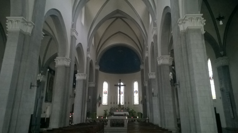 interieur kerk San Sigismondo