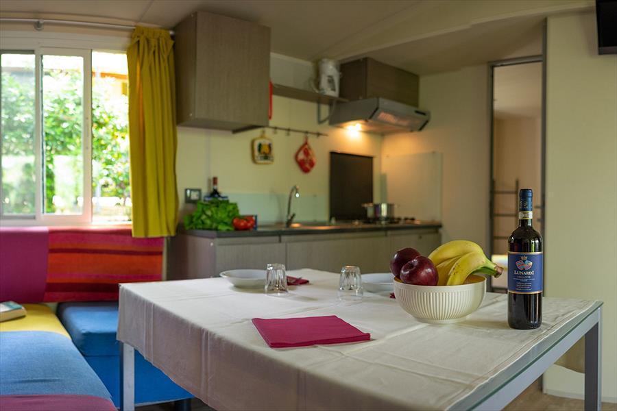 camping Barco Reale Toscane interieur stacaravan