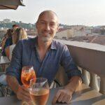 Genieten van een aperitief met uitzicht op de koepel van de dom van Florence