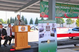 Speeches by civil and labor leaders at Microgrid ceremony
