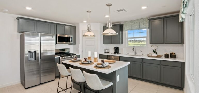 05_655PickledPepperPlace_UnitC_177004_Kitchen_LowRes