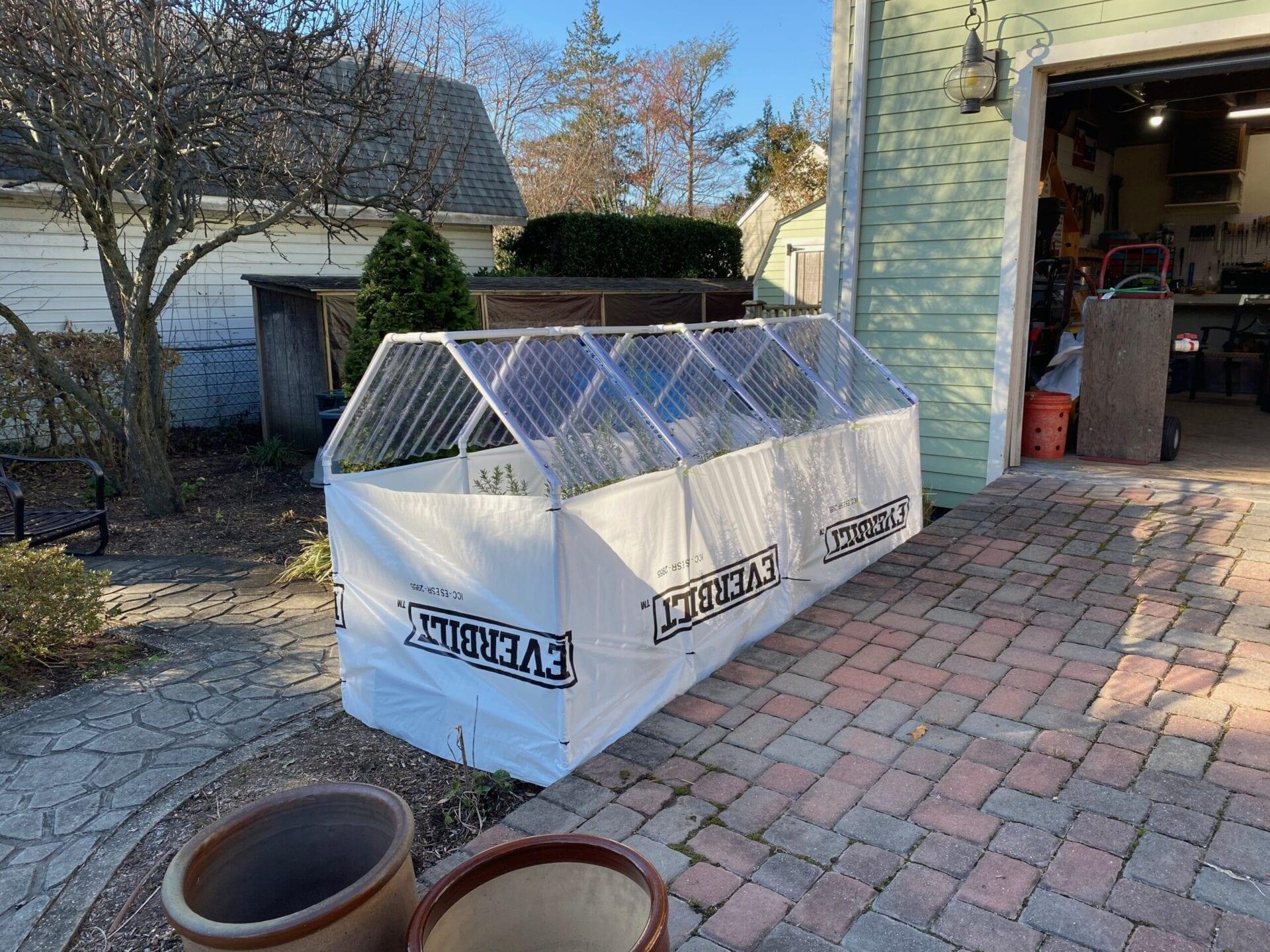Enclosed greenhouse