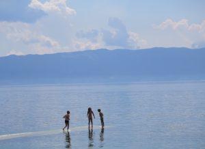 Children playing at Lake Ohrid © 2016 Karen Rubin/news-photos-features.com