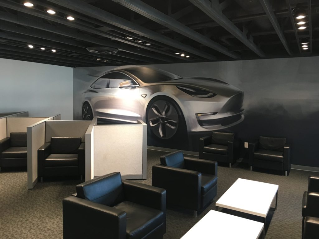 Tesla Kettleman City - lounge