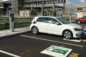 8 Reasons Mass Transit Parking Lots Make Ideal EV Charging Centers