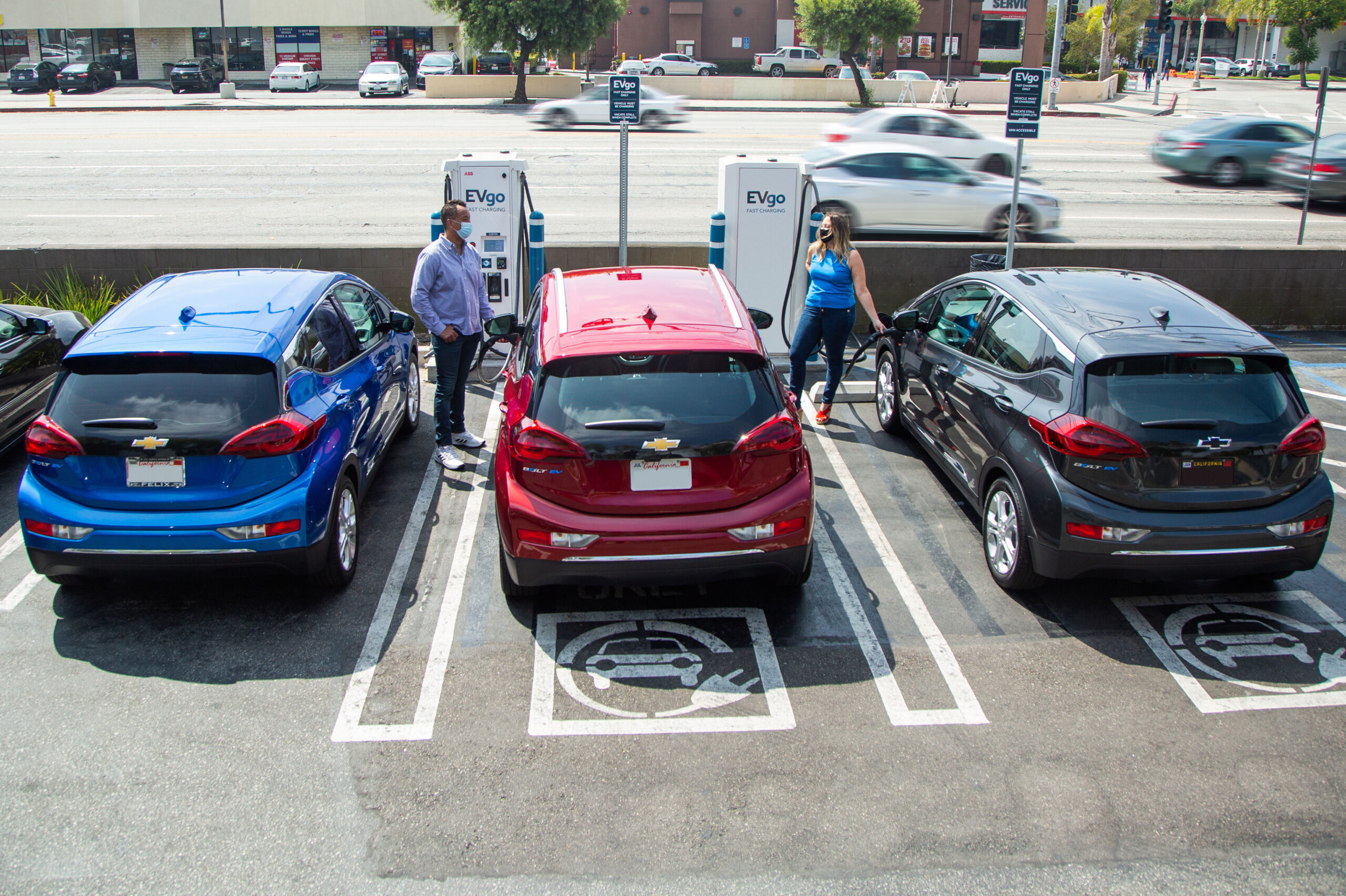 GM and EVgo Partner to Add 2,700 New Fast Chargers Over the Next Five Years