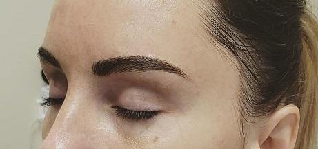 Amanda Hunt provides microblading, microblading and shading, and Henna brow treatments.