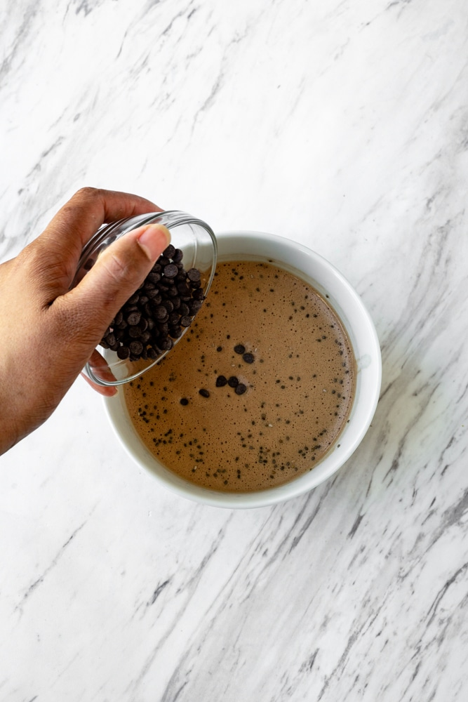 chocolate chips in chocolate chia pudding