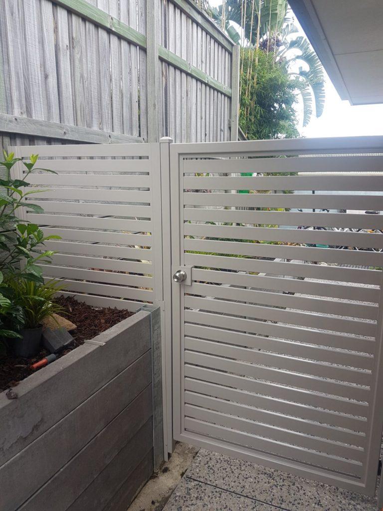 outdoor slat screens