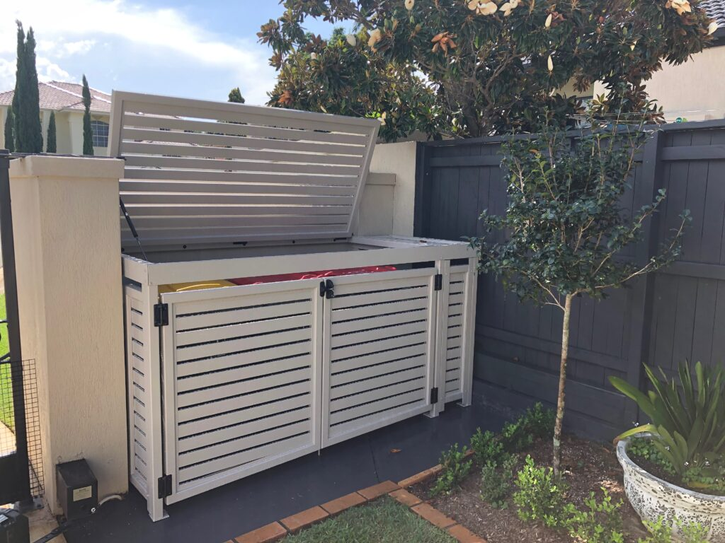 wheelie bin enclosure lid open