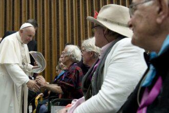 Indulgencia Plenaria para los mayores y los fieles