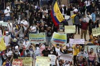 suspensión de protestas en colombia