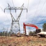 Sigalarm Excavator working near Power Line