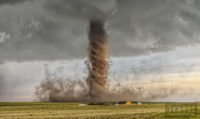tornado image hello joburg