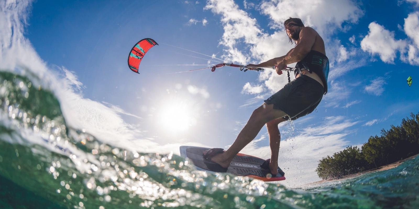 dinarobin_kitesurfing_carousel