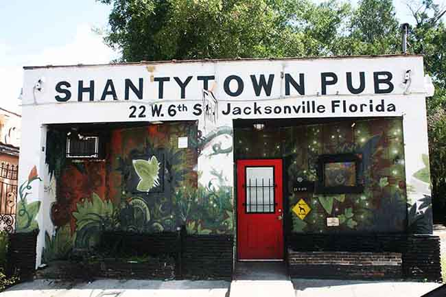 Shanty Town Pub Serves Up Dive Bar Realness