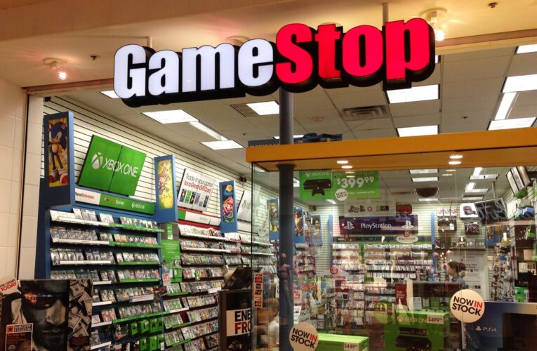 Gamestop Forcing Associates To Be Exposed To COVID-19 | Now Threatening To Sue | My Contact Comments