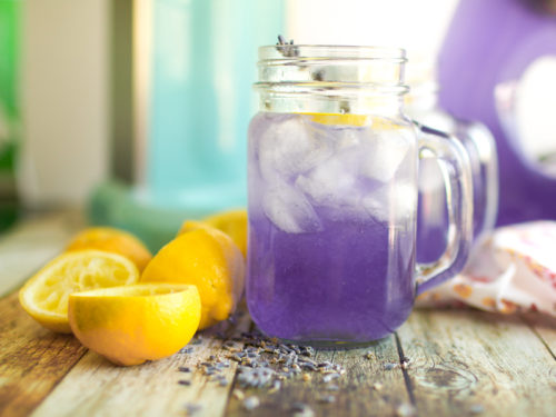 Lavender and Lemon Juice Cure Headaches and Relieve Tensions