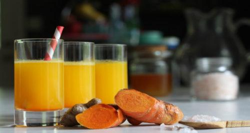 6 Amazing Health Benefits of Drinking Warm Turmeric Water