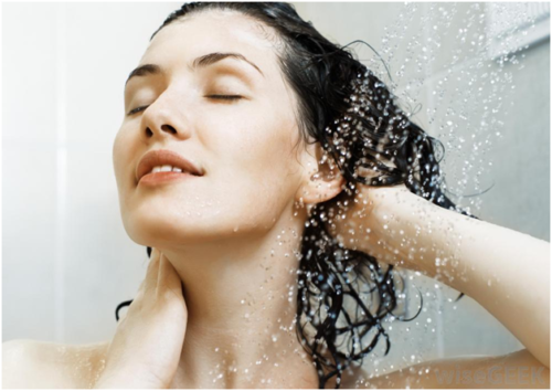 Take a Shower in the Right Way and Stop Damaging your Skin and Hair
