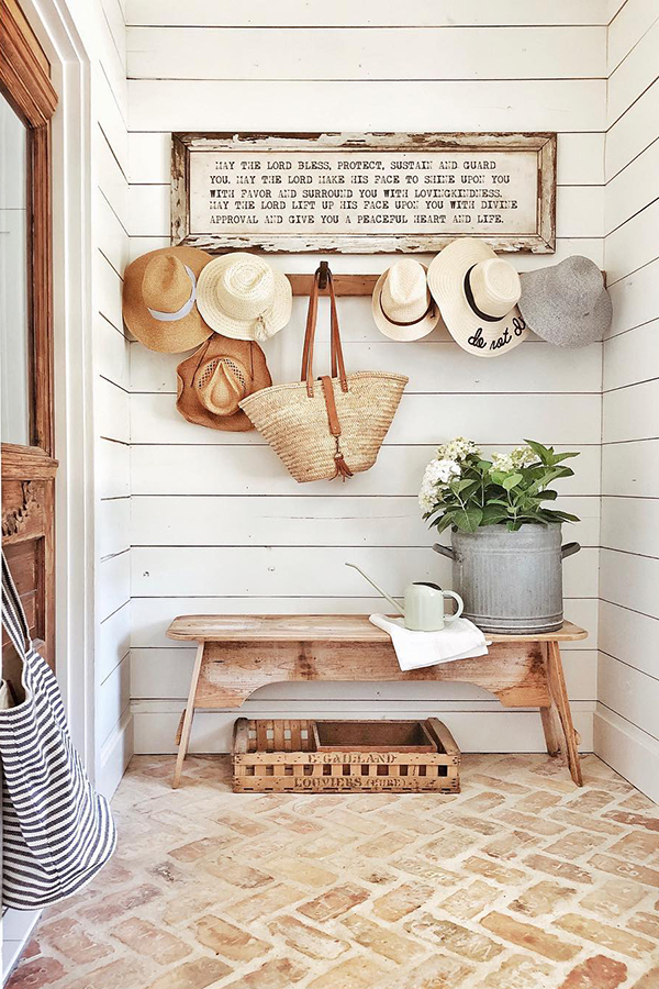 How to Decorate Farmhouse Style | WhiteTail Farmhouse