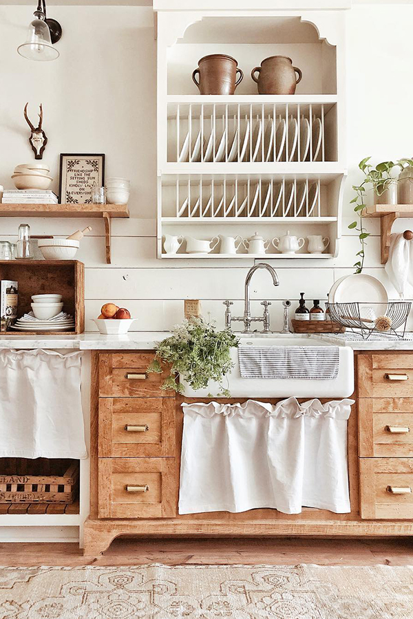 Farmhouse Kitchen Ideas | White Tail Farmhouse