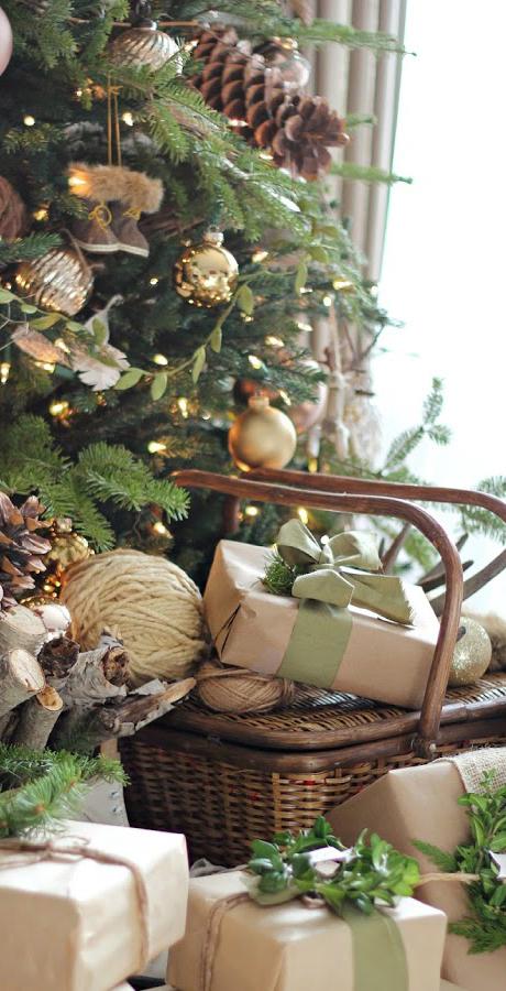 Farmhouse Christmas Tree Ideas | Craftberry Bush Blog