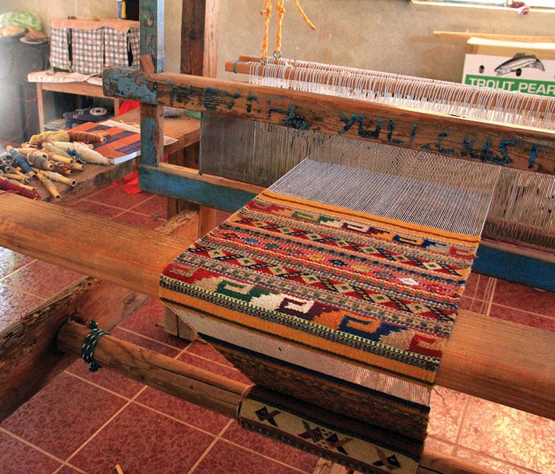 Weaving in progress in the studio of Porfirio Gutiérrez y Familia