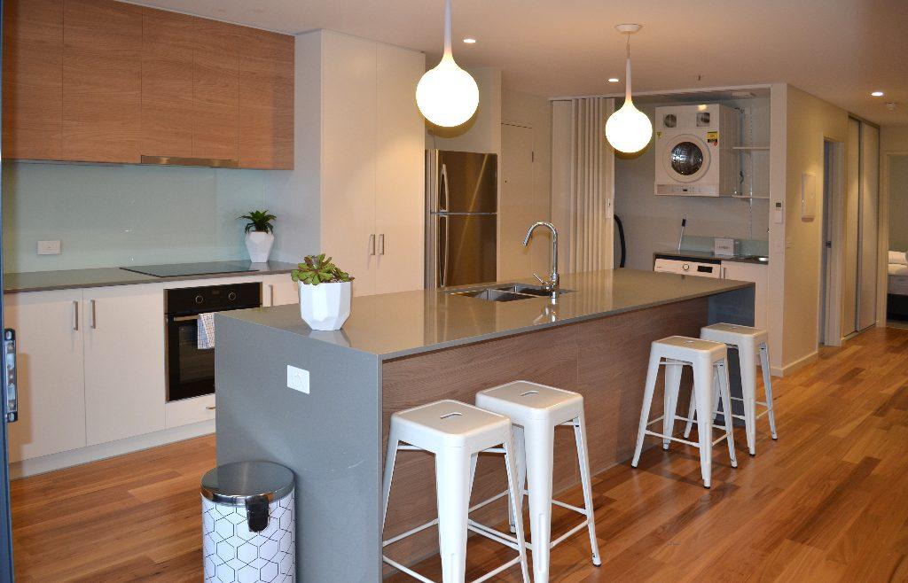 Kangaroo Bay Apartments - 2 Bedroom Apartment Kicthen - Bellerive Hobart Accommodation, Kangaroo Bay Apartments, hobart accommodation, hobart hotels, family accommodation tasmania, cheap hobart hotels, bellerive accommodation, accommodation tasmania, self contained accommodation, hobart apartment,