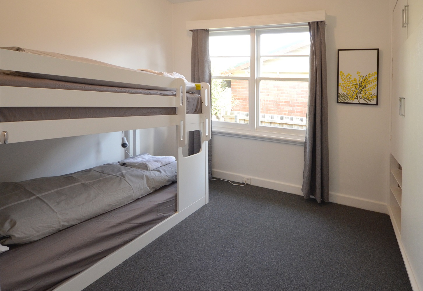 Kangaroo Bay Lodge, Bellerive, Self Contained Accommodation Hobart, Family Accommodation