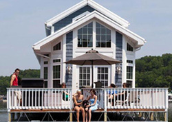 houseboat-1