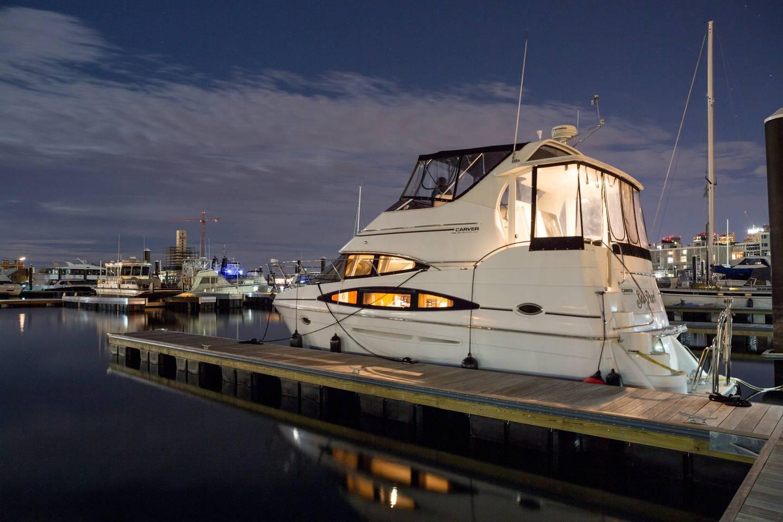 airbnb yacht boston