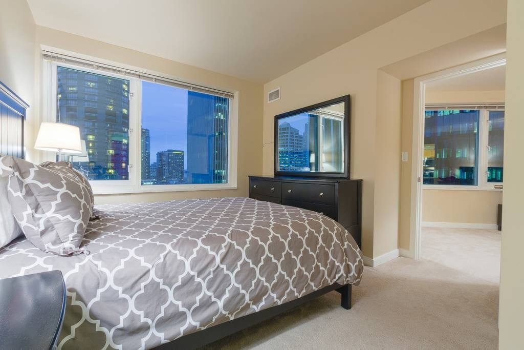 downtown high rise seattle airbnb