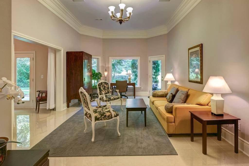 buckhead apartment airbnb atlanta
