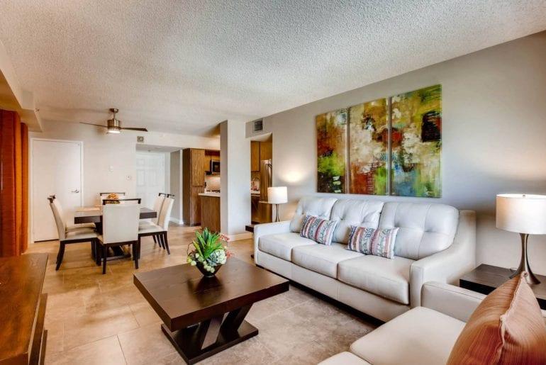 deluxe airbnb apartment on las vegas strip