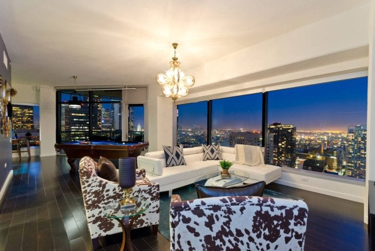 airbnb penthouse suit with views dtla
