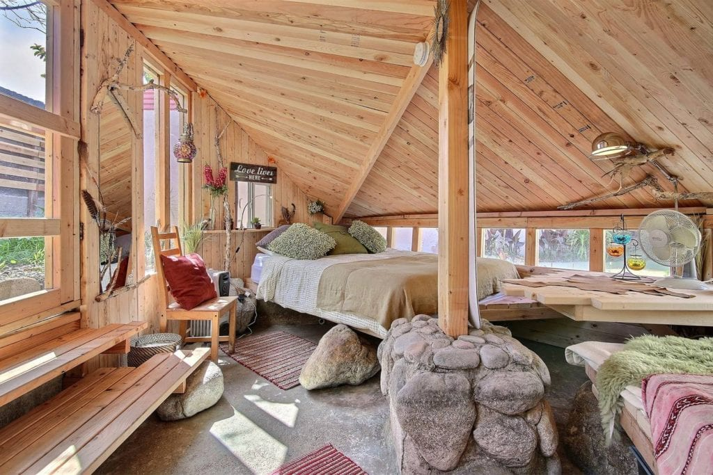LA airbnb hobbit house